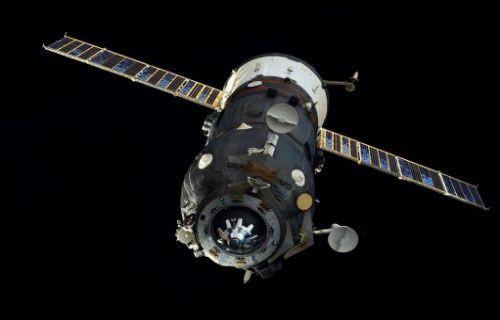 Rus uzay kargo aracı Progress M-27M Dünya'ya düşüyor!