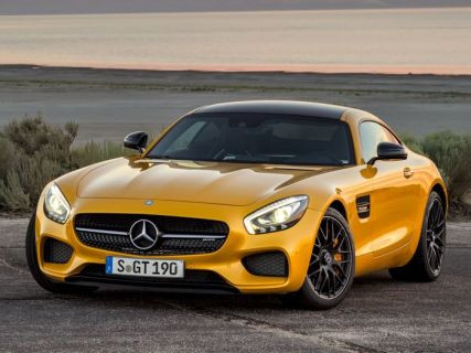Mercedes AMG GT S vs Porsche 911 Turbo (Video)