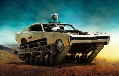 Mad Max filmindeki çöl aracı gerçek oldu! [Video]