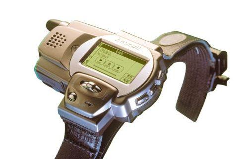 Samsung'un ürettiği ilk akıllı saat yıllar sonra ortaya çıktı! [Video]