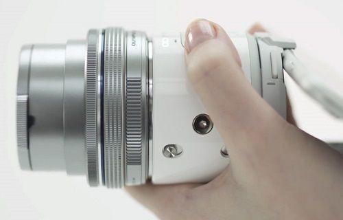 Olympus'tan akıllı telefonlarla uyumlu kablosuz kamera: Olympus Air A01