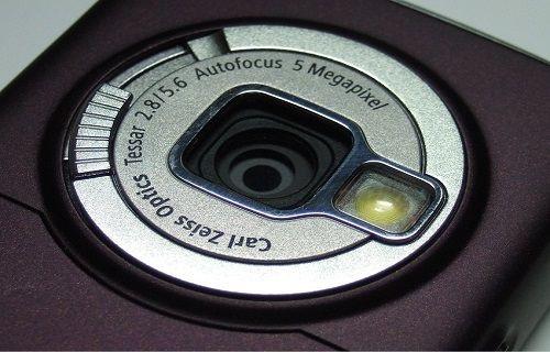 Ekran ve kamera teknolojilerine öncülük etmiş akıllı telefonlar