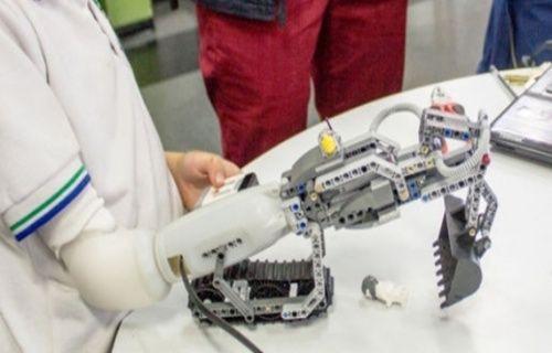 Uzuvları eksik olan çocuklar için LEGO uyumlu protez kol üretildi! Video