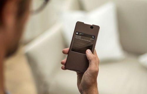 Xperia Z3+'ın şık görünümlü aksesuarı Sony SCR30 akıllı kılıf satışa çıktı