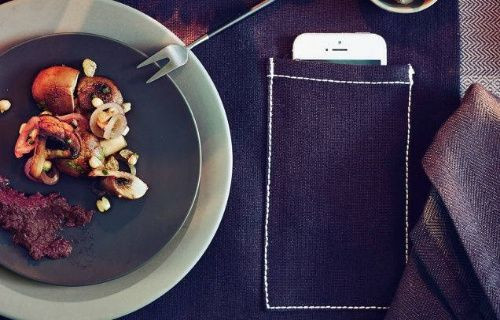 İKEA'dan akıllı telefonlar için cepli masa örtüsü!