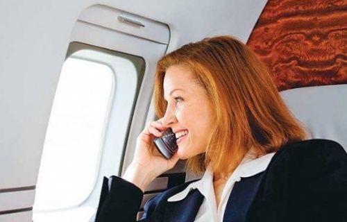 Uçakta 'cep telefonu' kullanımı mümkün hale geliyor!