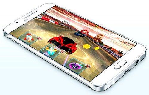 Galaxy A8 satışa sunuldu