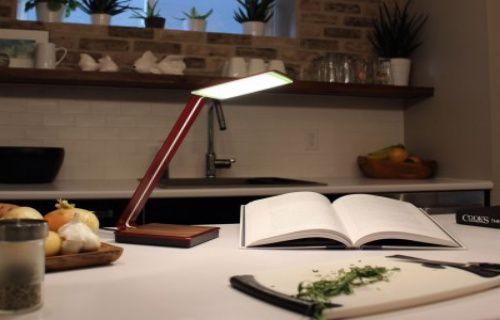 Hem masa lambası hem de kablosuz şarj standı: aerelight A1 (Video)