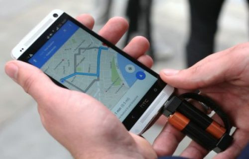 Akıllı telefonlara özel dünyanın en küçük şarj cihazı: Nipper! Video