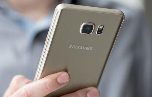 Daha büyük ya da eşit pile rağmen pil süresi Galaxy Note 5'in gerisinde olan telefonlar