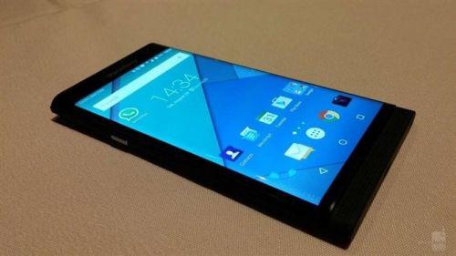 Androidli BlackBerry Venice'in en net görüntüleri