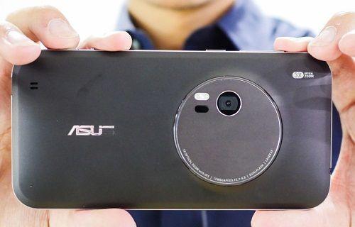 Asus, IFA 2015'te ZenFone Zoom'u bir kez daha sergiledi