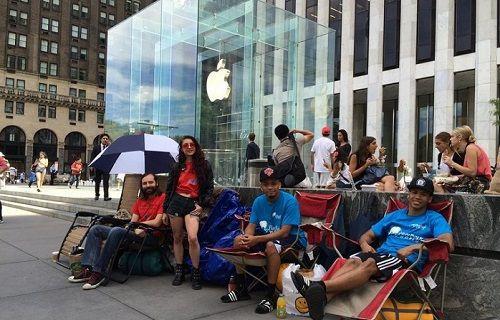 Fanatizm ya da başka bir şey... iPhone 6S satın almak için kuyruk oluşmaya başladı