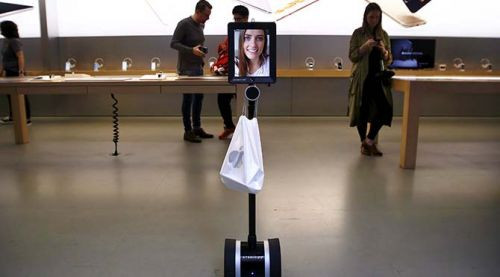 iPhone 6S Kuyruğunda Bir Robot