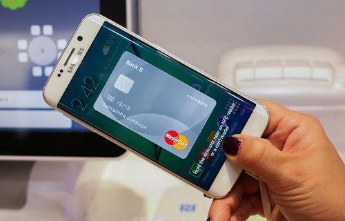 Samsung, mobil ödeme sistemi Samsung Pay'i etkinleştirenlere hediyeler dağıtıyor