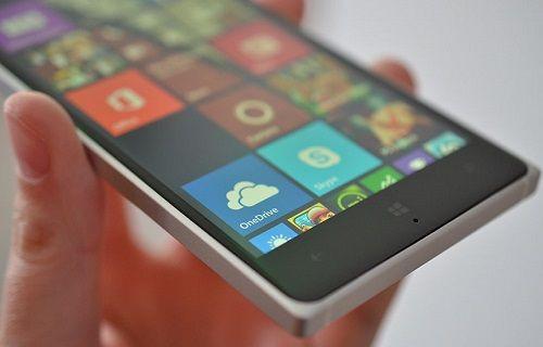 Microsoft, blog sayfasında yeni bir Lumia telefon gösterdi