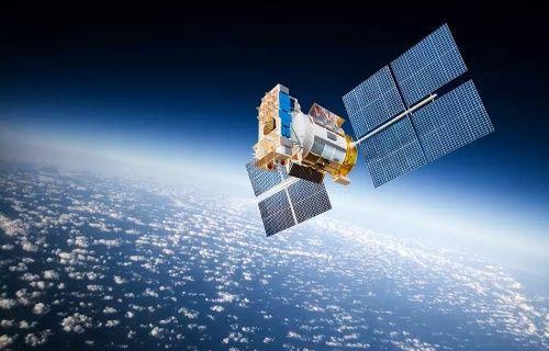 Facebook'un bedava internet uydusu 2016'da uzaya fırlatılacak!
