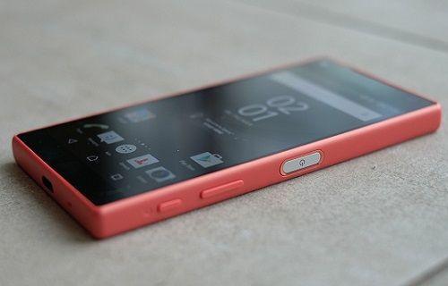 Sony Xperia Z5 Compact için yeni  güncelleme başladı
