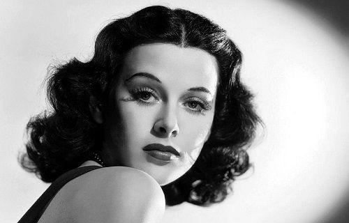 Google'a Doodle olan Hedy Lamarr hangi buluşuyla hayatımızı değiştirdi?