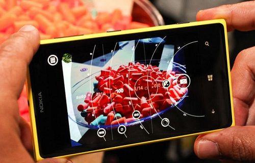 ''Lumia Camera'', Windows 10 yüklü Lumia 1020 için yayınlandı
