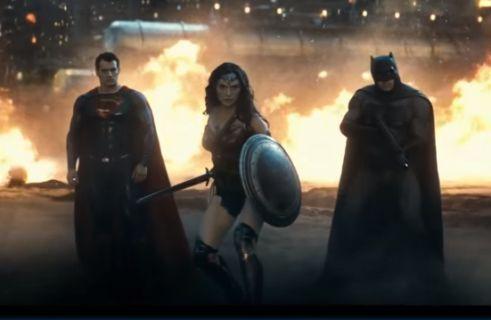 Batman Superman'e karşı 2.fragmanı başınızı döndürecek [Türkçe altyazı]
