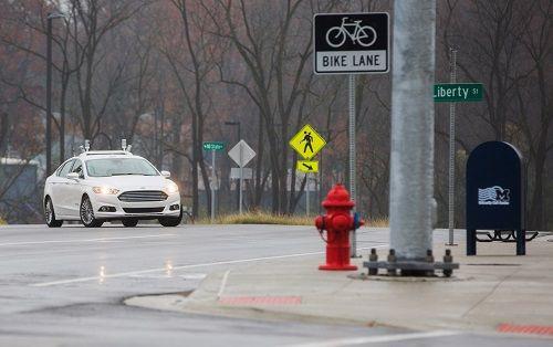 Ford şehir içinde sürücüsüz araçları denemeye başladı; ama nasıl?