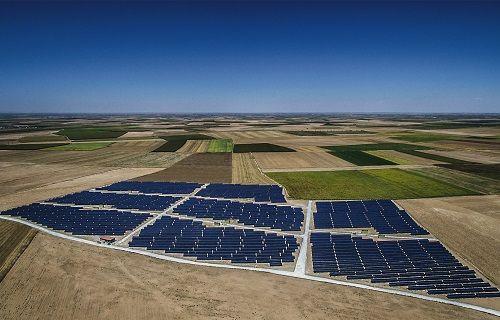 Türkiye'nin En Büyük Güneş Enerjisi Santrali Hizmete Açıldı