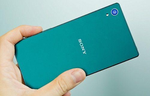 Sony Xperia Z6 Lite geliyor