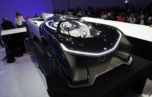 CES 2016: Faraday Future 1000 beygirlik yarış aracı FFZERO1'i tanıttı!