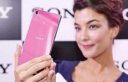 Sony 12 Ocak'ta pembe renkli bir Xperia telefon duyuracak