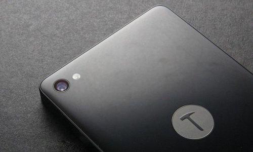 Çok konuşulacak bir telefon: Smartisan T2