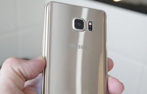 Galaxy S7, Xperia Z5'e rakip olacak