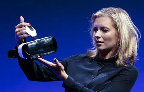 Google Street View, Samsung Gear VR için kullanımda