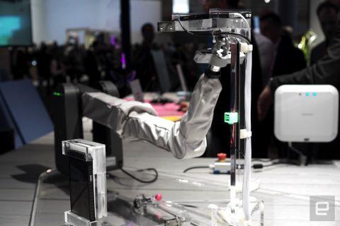 Samsung 5G denemelerinde robot kol kullanıyor!