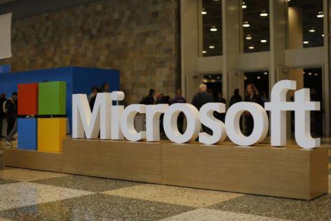 Microsoft Surface Phone akıllı telefon sızdırıldı