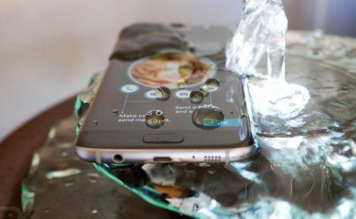 Suya dayanıklı cep telefonları!