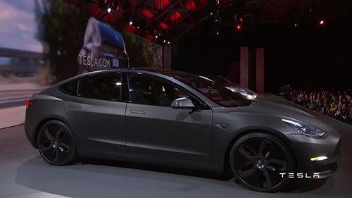 Tesla Model 3 Tanıtıldı