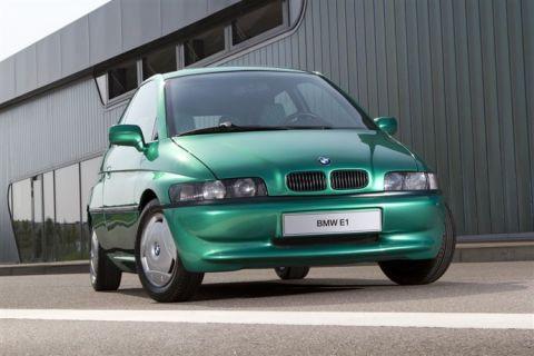 90'larda üretilen elektrikli araba BMW E1'i biliyor musunuz?