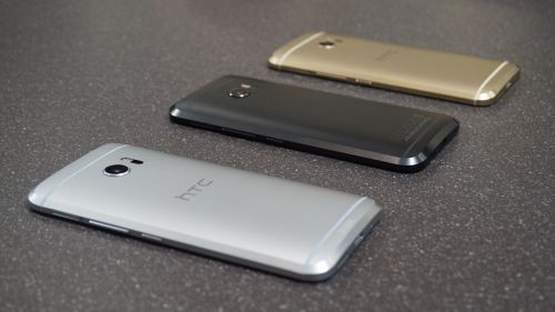 HTC 10 yeni bir güncelleme aldı
