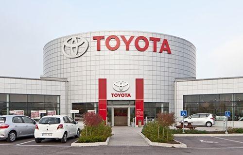 Bu da Toyota'nın kendi kendine giden otomobili!