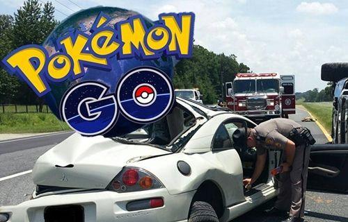 Pokemon Go oynayan şoför, yayaları ezdi!