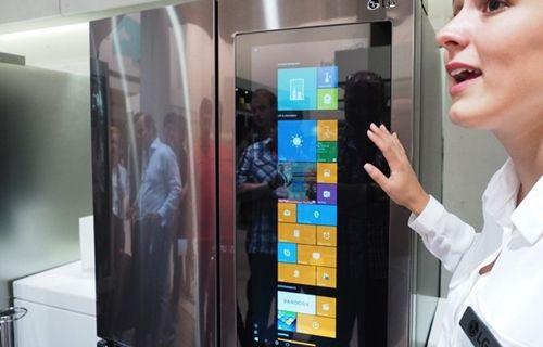 LG, 29 inch'lik tableti olan buzdolabı üretti