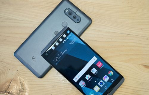 LG V20 bükme ve yanma testinde (Video)