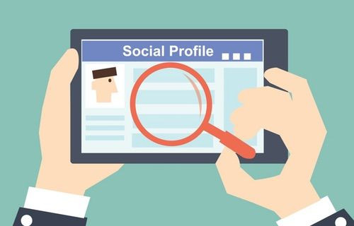 Facebook, LinkedIn'e rakip olacak!