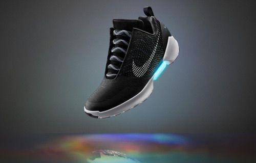 Teknolojik ayakkabı Nike HYPERADAPT 1.0 satışa sunuluyor!