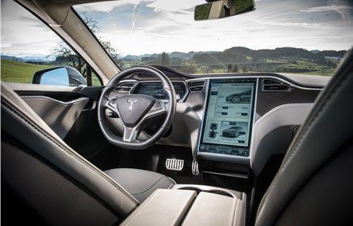 Tesla'dan yeni güncelleme!
