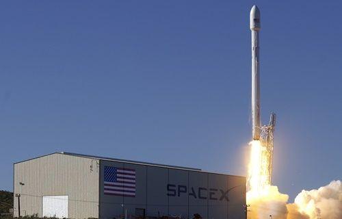 Falcon 9 roketi uzaya fırlatıldı!