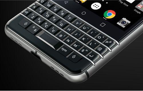 QWERTY klavyeli BlackBerry KEYone tanıtım videosu