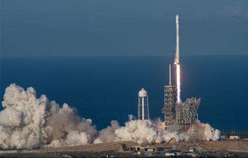 SES-10 uydusu Falcon 9 roketiyle başarıyla fırlatıldı