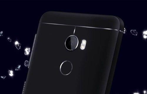 Batarya canavarı HTC One X10 artık resmi